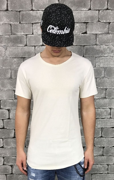 T-SHIRT PEOPLEHOUSE -CREAM- T-SHIRT PEOPLEHOUSE MODELLO LUNGO. COLOR CREMA NUOVA COLLEZIONE PEOPLEHOUSE MADE IN ITALY